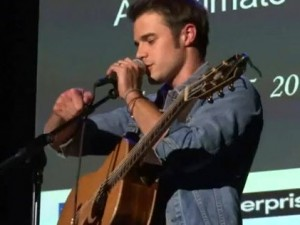 Kris Allen – Loves Me Not feat.Meiko – Live at the Vineyard (VIDEO)