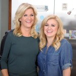 "FIRST LISTEN: Trisha Yearwood's New Single ""PrizeFighter"" Featuring Kelly Clarkson!"