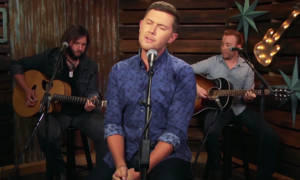 "Scotty McCreery Covers Jamey Johnsons ""In Color"" (VIDEO)"